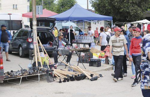 Неделен пазар Джулюница